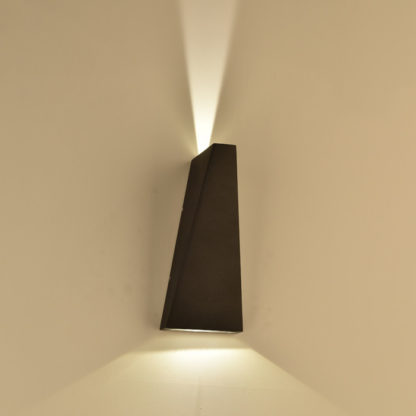 LED απλίκα 6W αρχιτεκτονικού φωτισμού 3000K Θερμό λευκό Μαύρο σώμα 8297